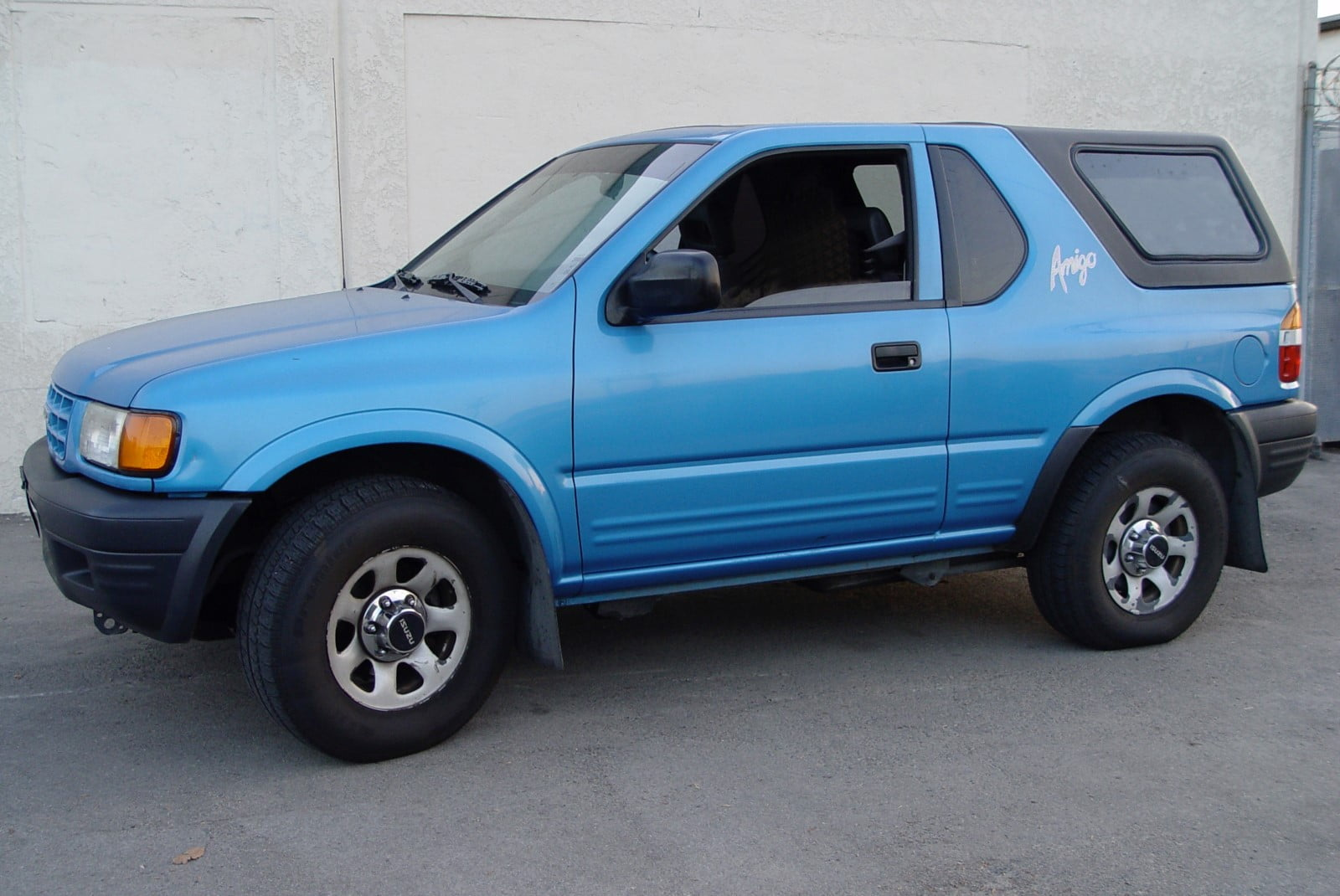 1-Piece Removable Hardtop for Isuzu Amigo (1989-1994, 1998-2000) & Rodeo  Sport (2001-2003)