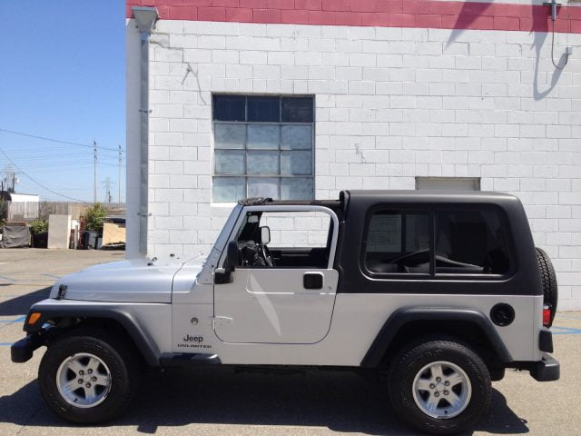 Are there two piece hard tops available for the 2006 Wrangler Unlimited?